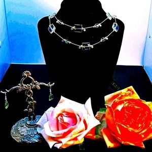Beautiful handcrafted necklace and earring set
